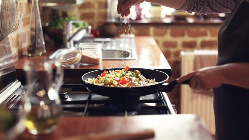 Dream about cooking   What's mean of dream cooking?