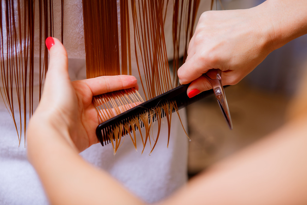 16 Dreams About Cutting Hair- Dream Meaning & Symbol & Interpretation