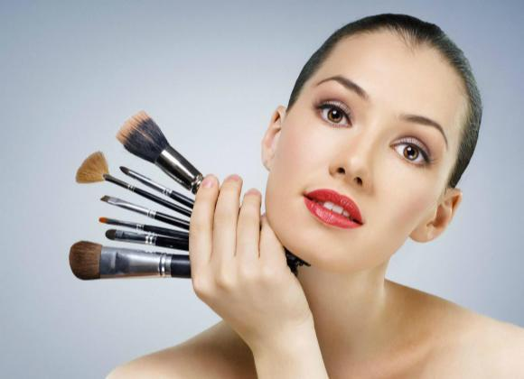 What Does It Mean to Dream of Makeup on Dead Person?
