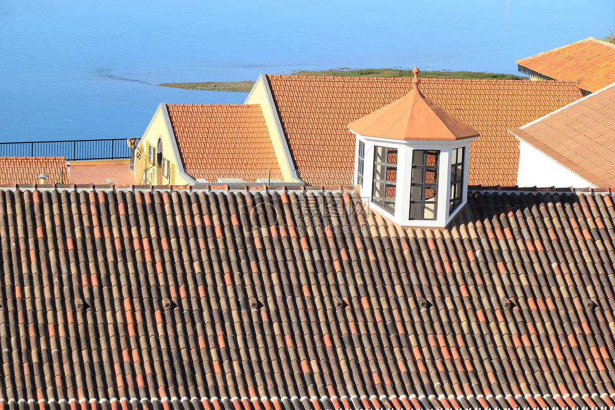 What Does It Mean to Dream about The Roof?-Dreams Interpretation Online