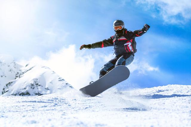 Why Do I Dream Of Skiing?-Dreams Interpretation