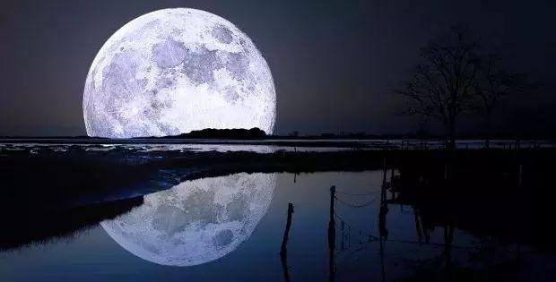 Interpretation  of A Pregnant Woman Dreaming of The Moon!