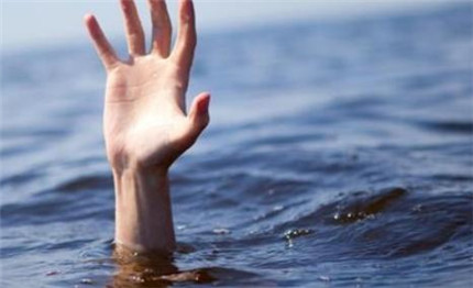 Why Did I Dream That I Fell Into the Water?-Dreams Interpretation Online