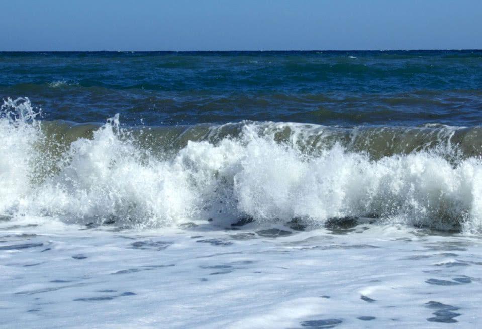 Why Do I Dream of Rising Tides in The Sea?-Dreams Interpretation