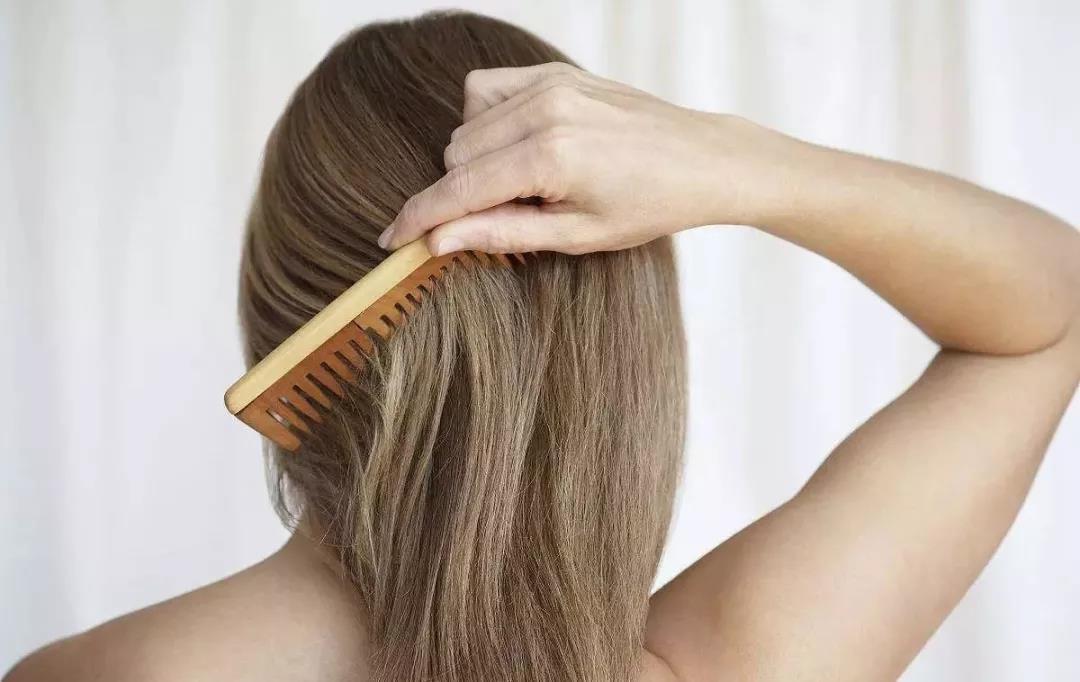 What Does It Mean To Dream About Combing Your Hair?-Dreams Interpretation